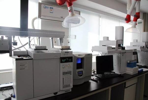 图:高频疲劳试验机运用的注意事项